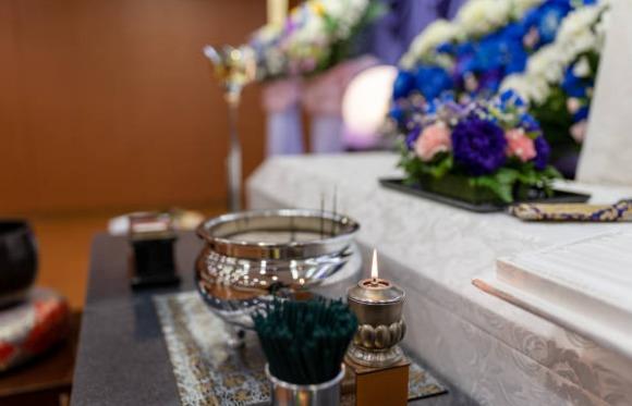 2020 04 20 15h25 09 - 葬儀場のアルバイトは女性にオススメ!仕事内容について紹介!